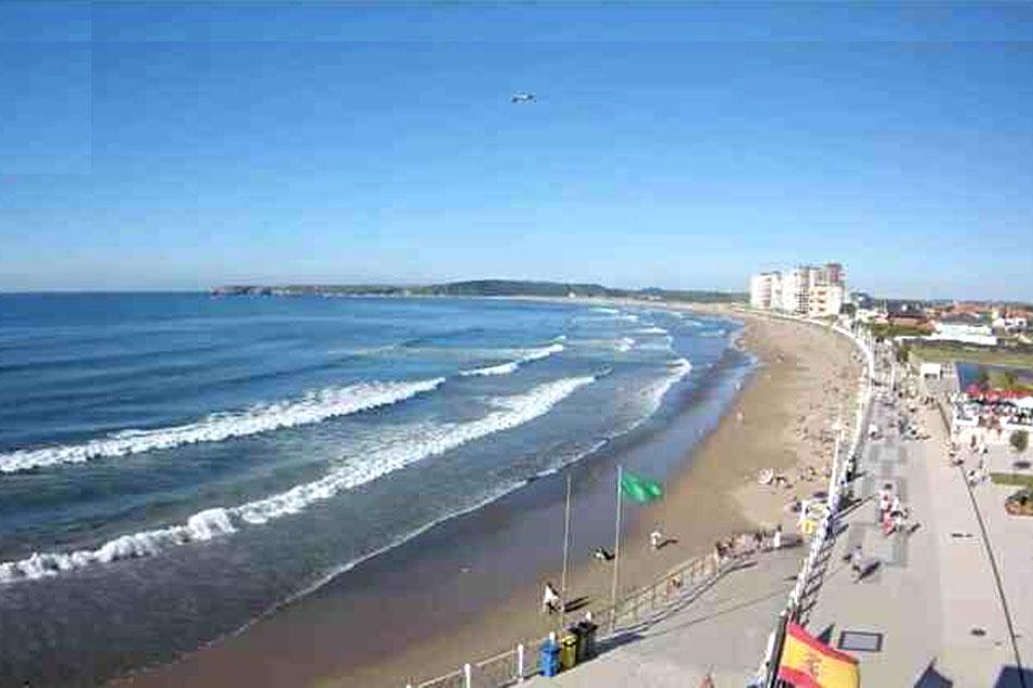playa de salinas in asturias