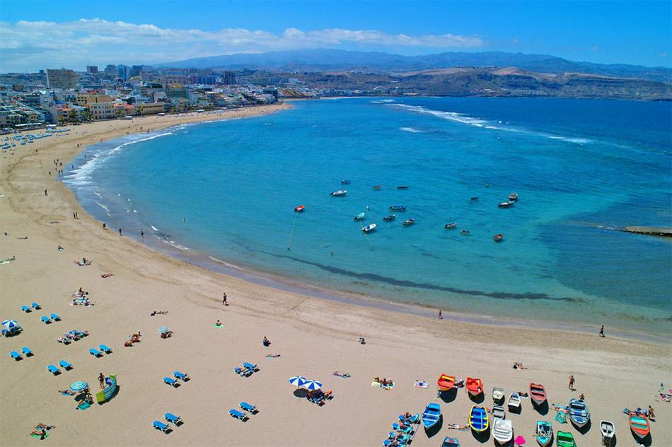 Lanzarote - Playa de las Canteras Beach