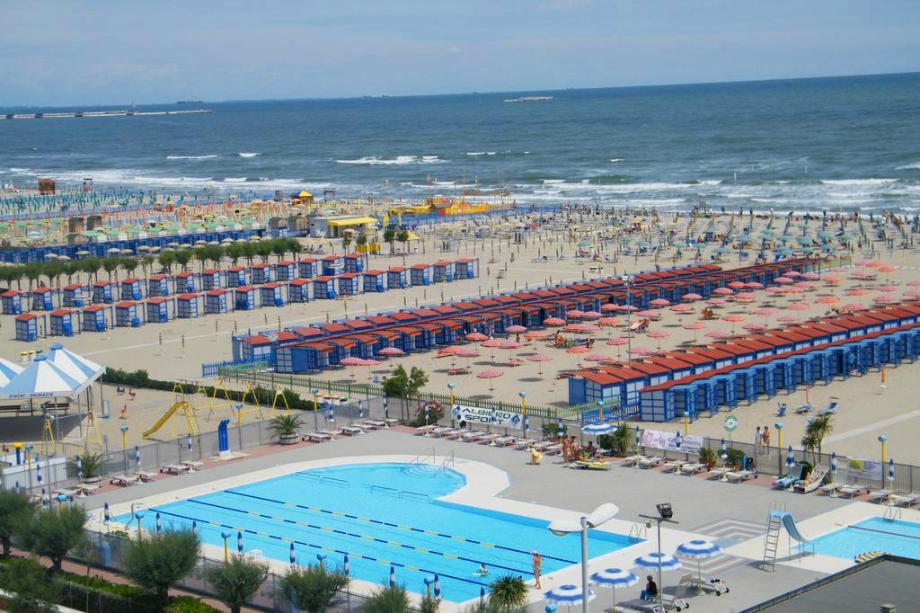 Sottomarina Beach - Italy                             Lignano Sabbiadoro Beach