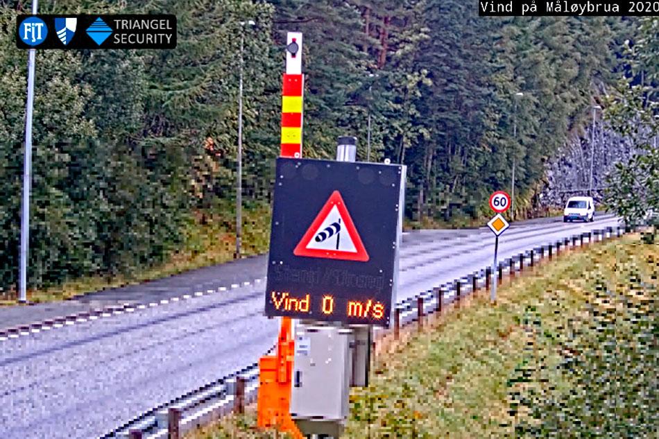 Barrier before Måløy Bridge - Norway