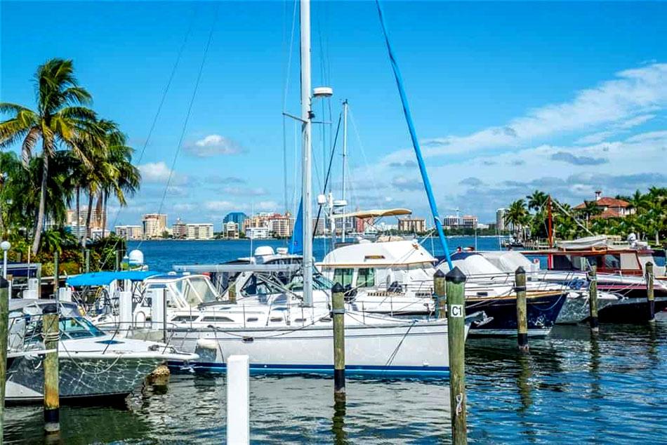Bird Key Yacht Club
