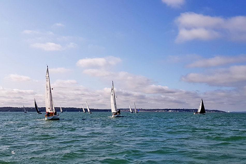 sailing near cowes