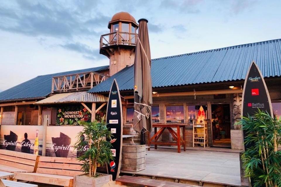 Surfers Paradise Club House