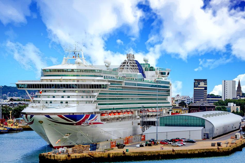 cruise ship at southampton