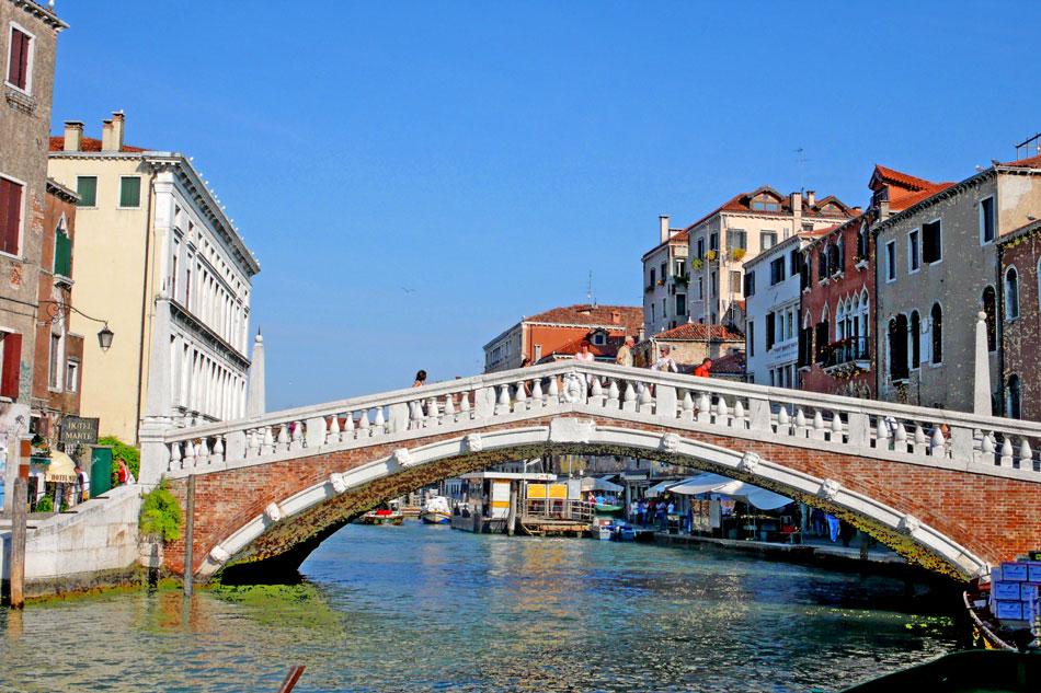 Ponte Delle Guglie in Venice